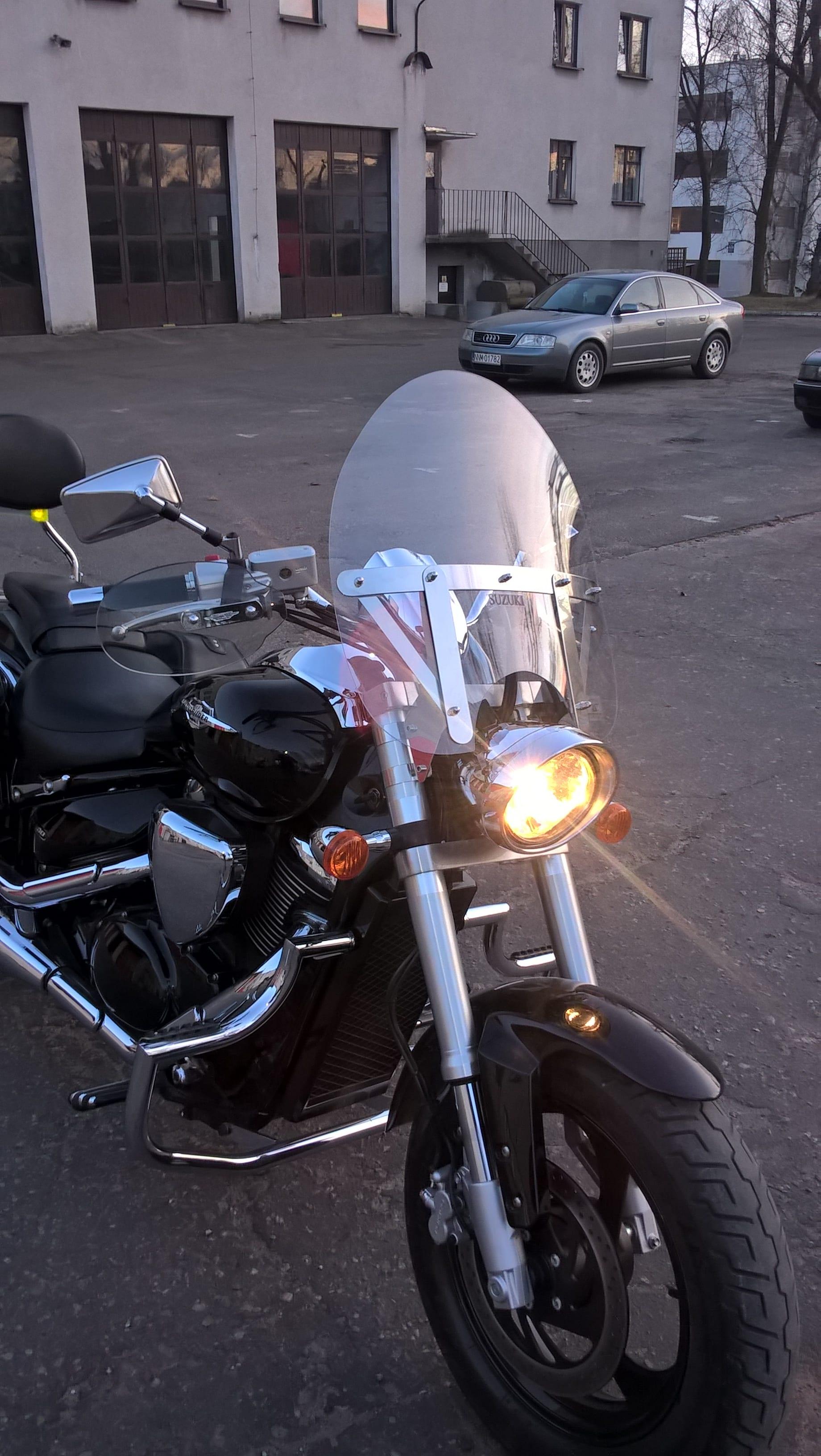 Suzuki Intruder M 800 Szyba 53x51 jnox nietukąca